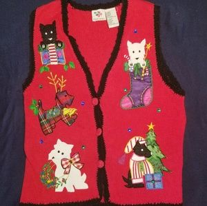 🎄Red Holding Sweater Vest 🎄
